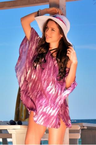 Нежна плажно пончо в модерно лилаво (P4611)