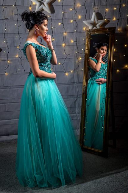 Разкошна бална рокля тип принцеса с красива дантела в зелено (RO99217)