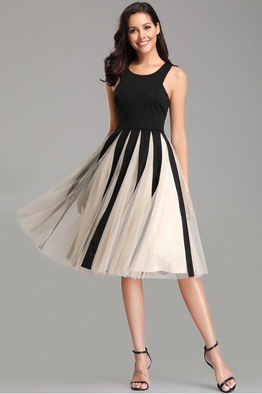 Елегантна официална разкроена рокля с уникални плохи (R9790)