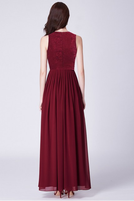 Бална рокля с мека дантела в цвят бордо (R9796)