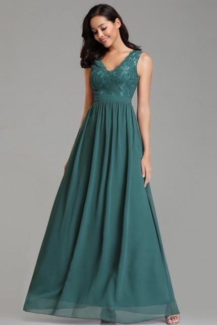 Прелестна бална рокля с красива дантела в зелено (R9797)