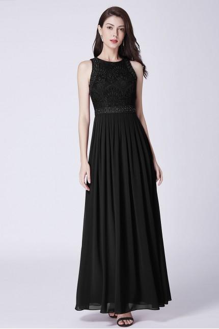 Дълга бална рокля с мека дантела в черно (R9818)