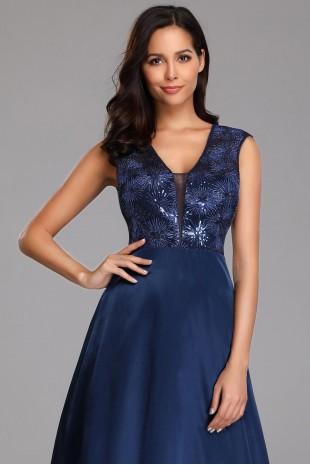 Дълга официална рокля в тъмно синьо с дантелена горна част (RO99116)