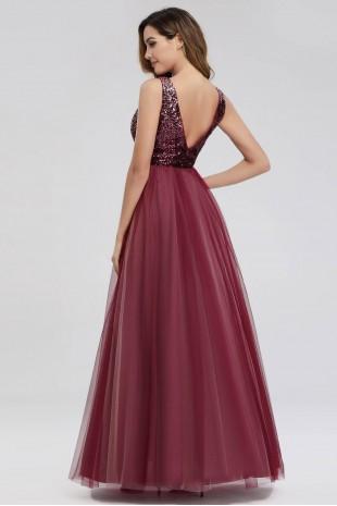 Елегантна официална рокля в бордо с остро деколте и пайети (RO99117)
