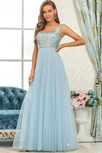 Нежна официална рокля с пайетена горна част в светло синьо (RO99289)