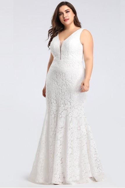 Разкошна бяла официална дантелена рокля с красиво деколте (R99006)
