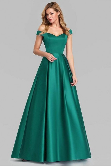 Зелена официална сатенена рокля с леко паднали рамене (RO99233)