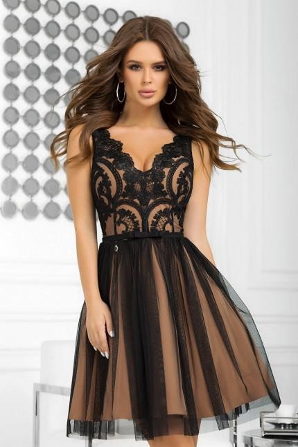Възхитителна официална разкроена рокля в черно и бежово (RO99260)