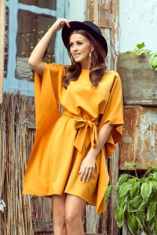 Медено жълта елегантна ежедневна рокля тип пончо (RO99156)