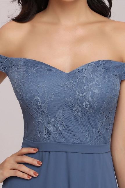 Грациозна официална рокля с паднали рамене и дължина под коляното (RO99232)