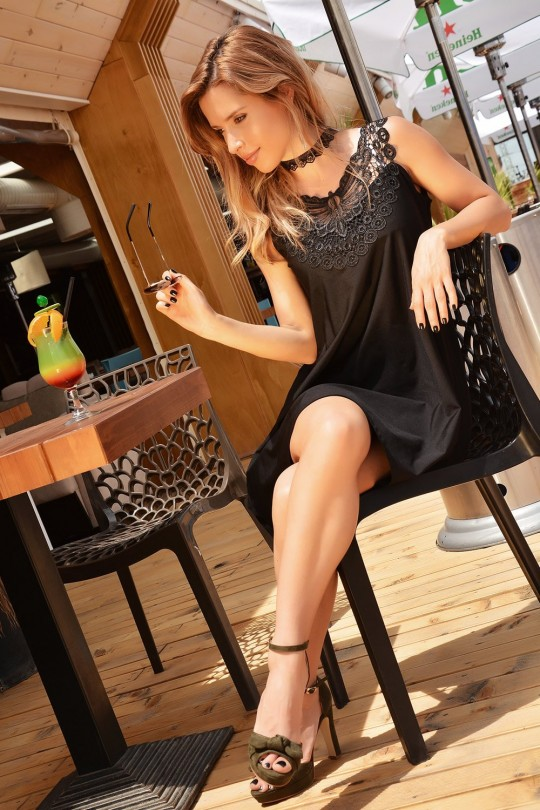 Черна официална разкроена рокля с дантелена апликация(R9586)