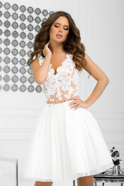Възхитителна официална разкроена рокля в бяло и бежово (RO99246)