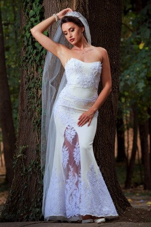 Уникална сватбена рокля тип русалка с апликирана дантела (RO99069)